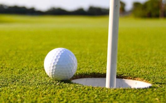 world-of-golf-18-holes-lunch-6-7398852-regular (1)